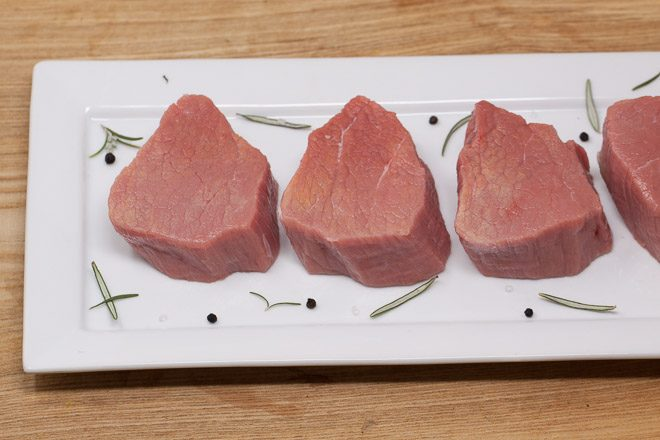 Jurassic-Coast-Farm-Shop-Veal-Medallions-Quick-IMG-1026-2