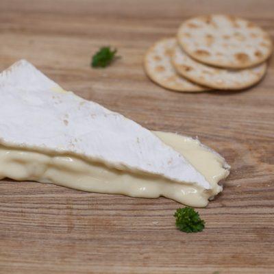 Jurassic-Coast-Farm-Shop-Cheese-Somerset Brie-IMG-1291