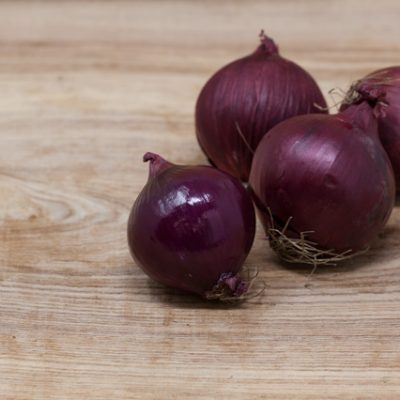 Jurassic-Coast-Farm-Shop-Veg-Red Onions-IMG-1906