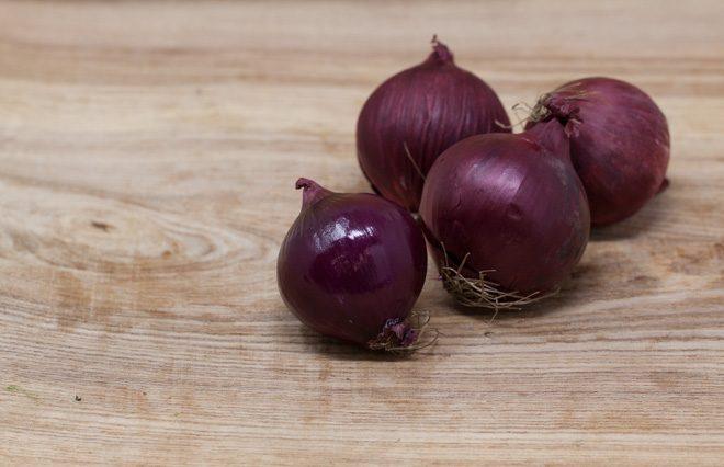 Jurassic-Coast-Farm-Shop-Veg-Red Onions-IMG-1906